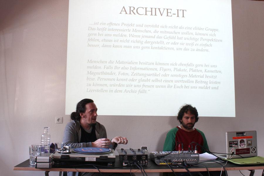 links Albrecht Dornauer & rechts Maurice Kumar (Subkulturarchiv Innsbruck)